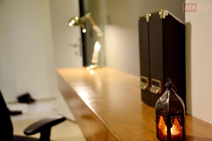 ROAS Mimarlık – Fener Detayı - Çalışma Odası:  tarz Çalışma Odası
