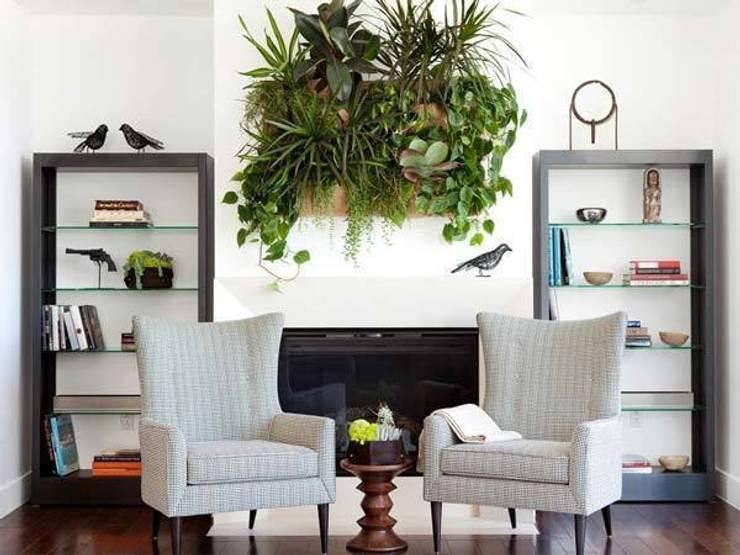 Living Room: Soggiorno in stile in stile Tropicale di Dotto Francesco consulting Green