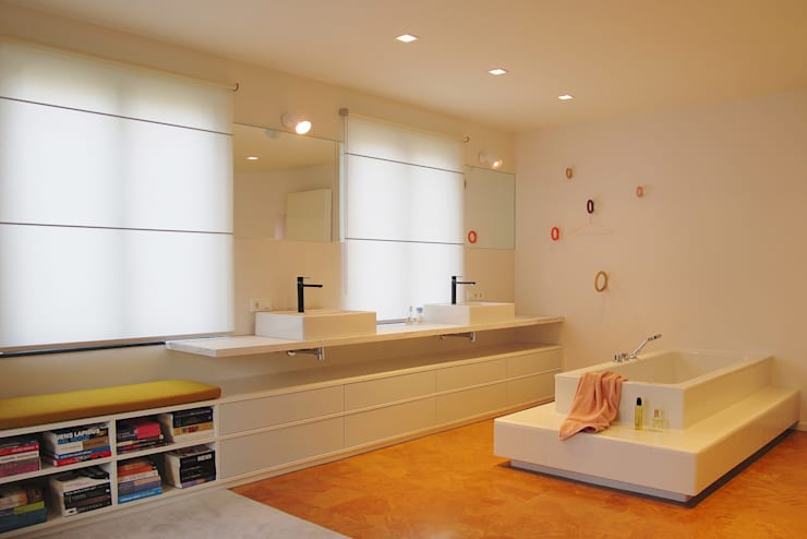 Banheiros modernos por homify