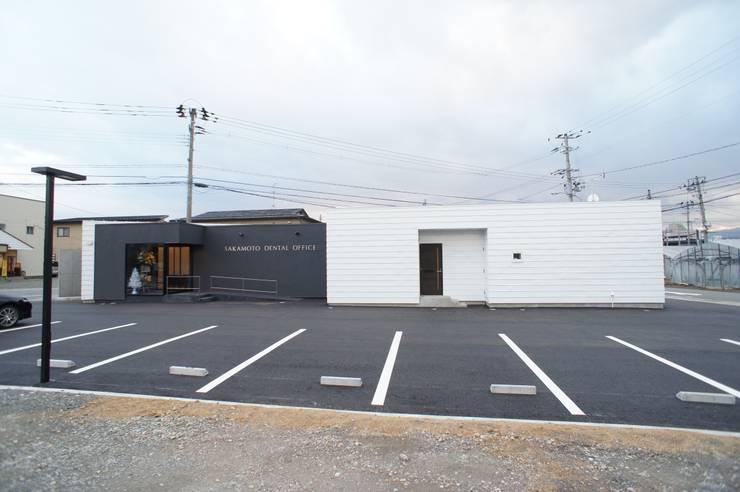 Clinics by 一級建築士事務所A-SA工房, Modern