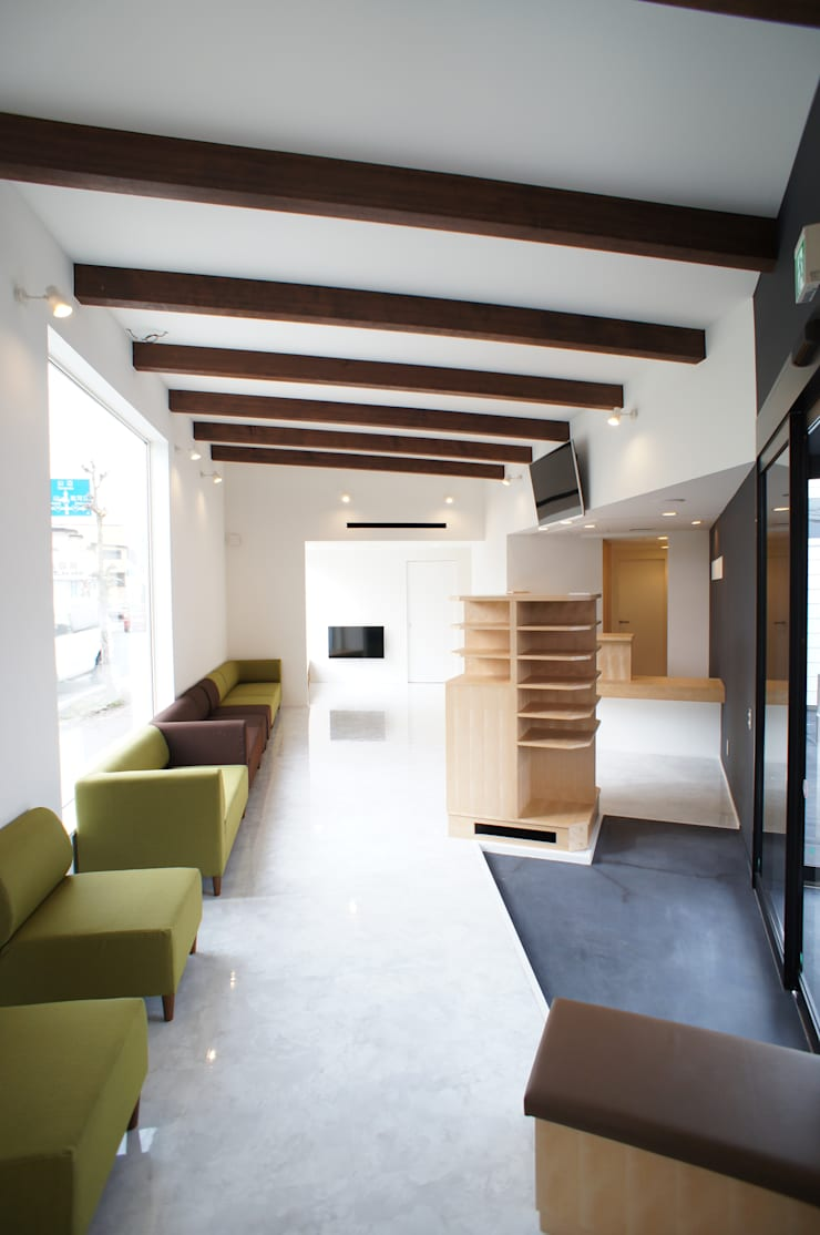 Clínicas de estilo  por 一級建築士事務所A-SA工房, Moderno