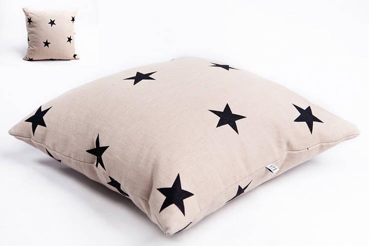 poduszka lniana beige star: styl , w kategorii Salon zaprojektowany przez Leżę i Pachnę,