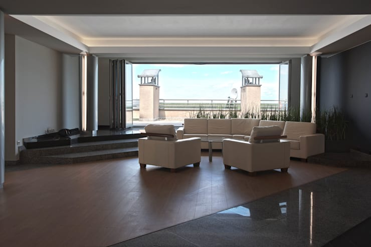 Apartament na dachu: styl , w kategorii Salon zaprojektowany przez Mobile Design Katarzyna Juszczak