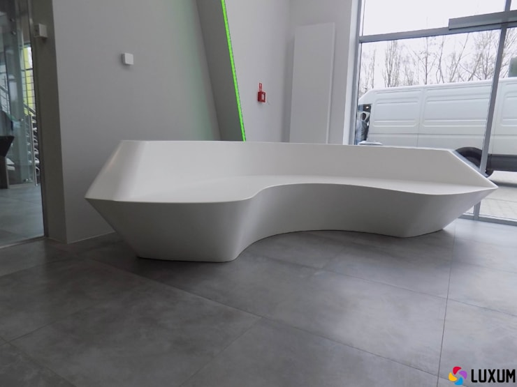 Meble nietypowe - lada i siedzisko: styl , w kategorii  zaprojektowany przez Luxum,Nowoczesny