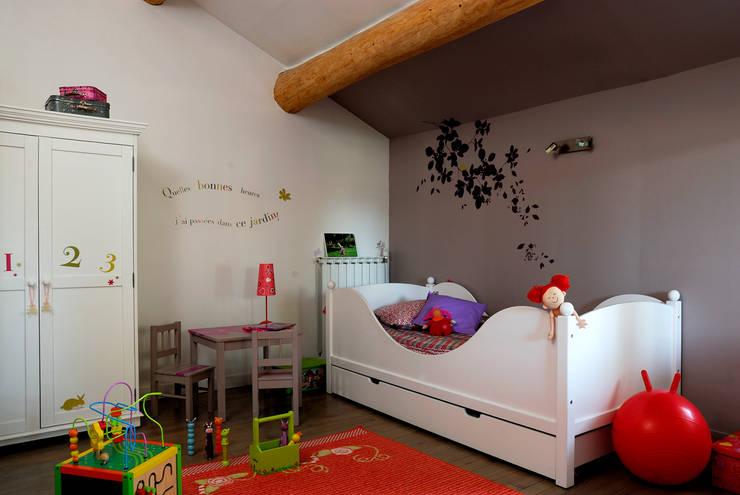 Chambres d'enfants: Chambre d'enfant de style  par STEPHANIE MESSAGER