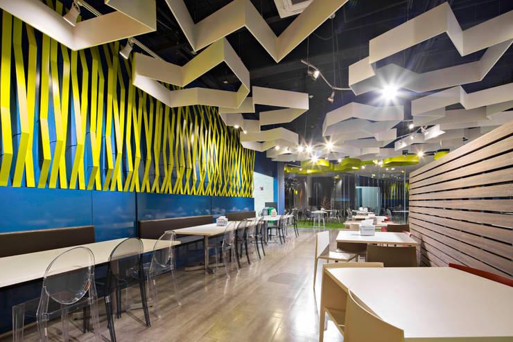 Phòng ăn phong cách hiện đại bởi IAARQ (Ibarra Aragón Arquitectura SC) Hiện đại