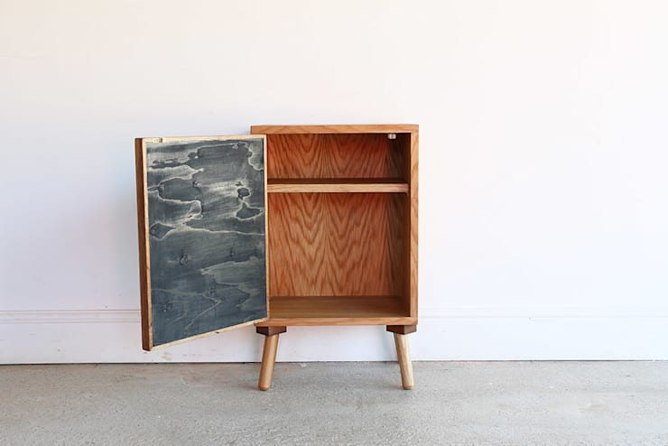 The Unique Bed Side Cabinet:  Bedroom by Factory Twenty One,