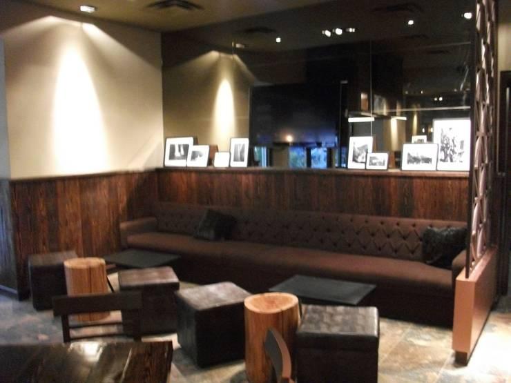 -: Restaurantes de estilo  por FGarchitect