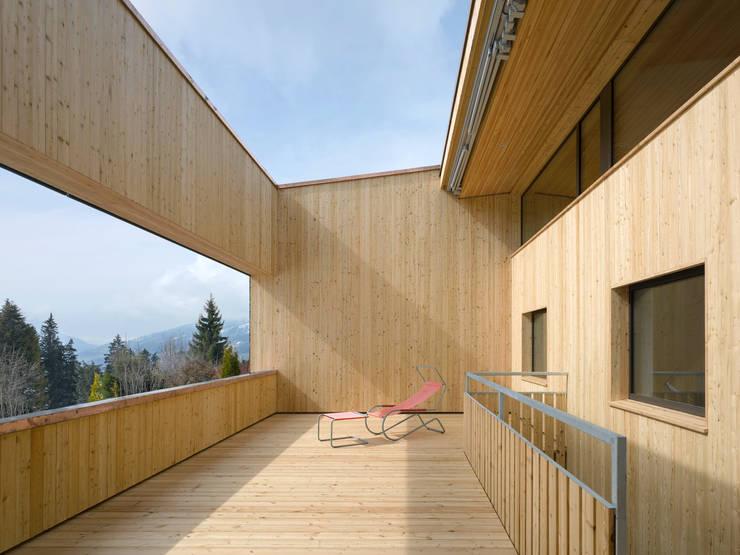 Passivhaus Vogel:  Terrasse von Diethelm & Spillmann