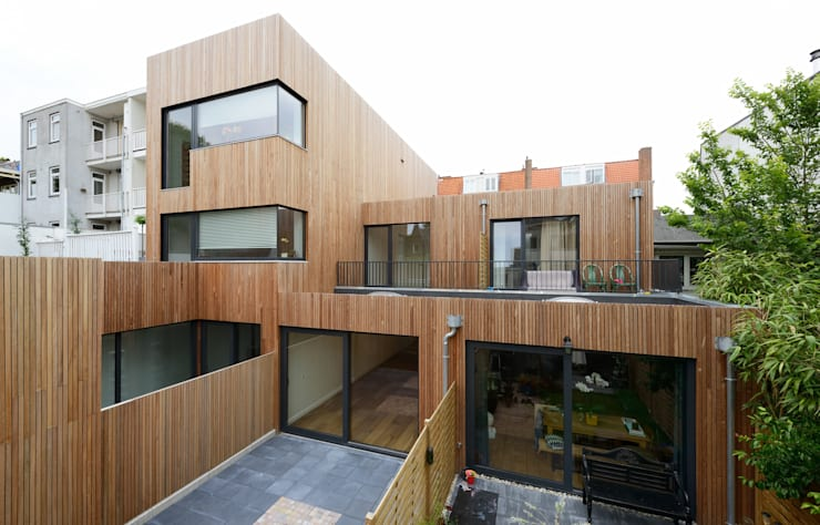 achtergevel:  Huizen door m3h architecten, Modern