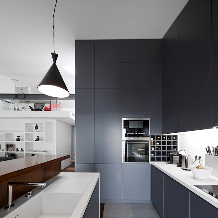 Kitchen by RRJ Arquitectos