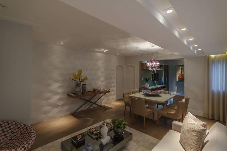 Apartamento em Belo Horizonte: Paredes  por Lívia Bonfim Designer de Interiores,