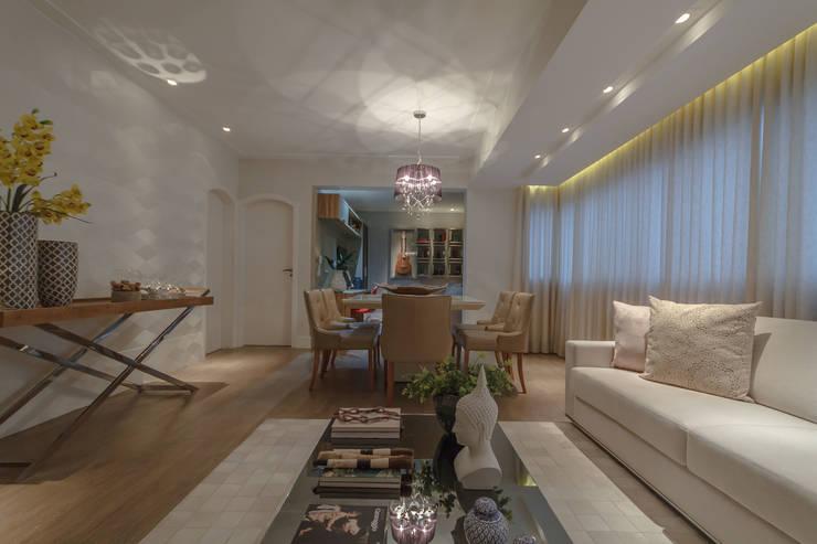 Apartamento em Belo Horizonte: Salas de jantar  por Lívia Bonfim Designer de Interiores,