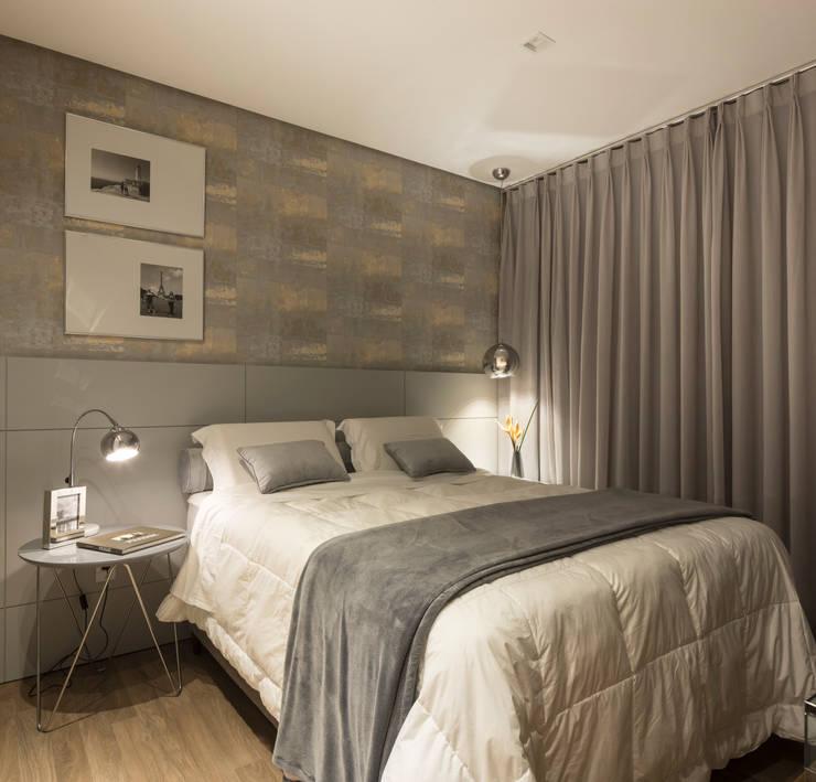 Dormitorios de estilo  por Pura!Arquitetura