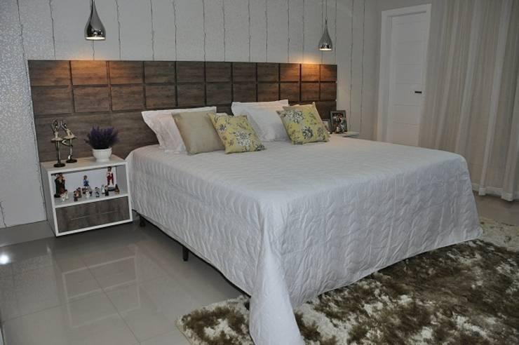 Apartamento Machacalis 2: Quartos  por Lívia Bonfim Designer de Interiores