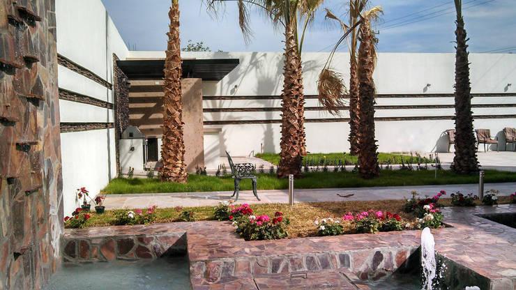 Vista hacia asador: Jardines de estilo moderno por Acrópolis Arquitectura