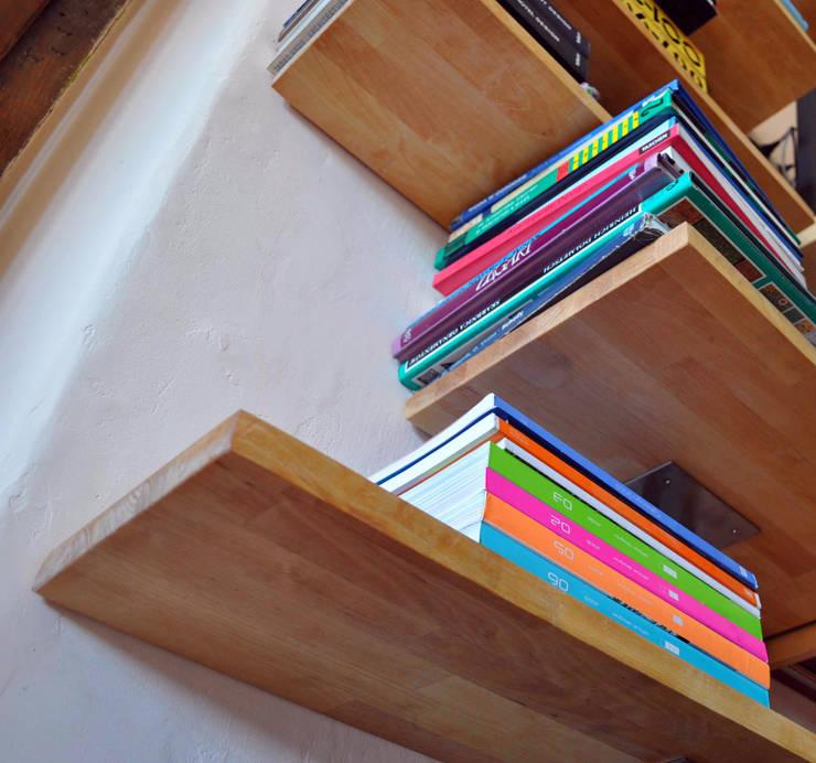 REGAŁ 11, bookshelf: styl , w kategorii Domowe biuro i gabinet zaprojektowany przez CHOLUJ DESIGN s.c.    / ROKKI design,