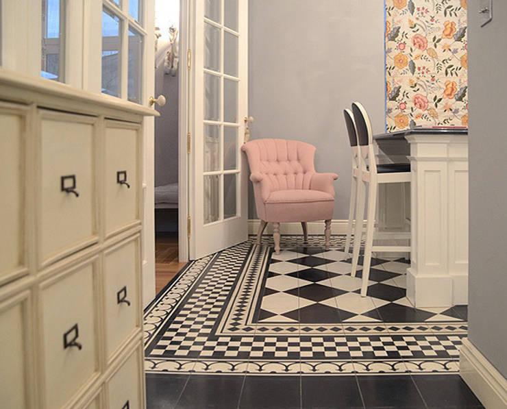 Wzorzyste posadzki: styl , w kategorii Ściany i podłogi zaprojektowany przez MG Interior Studio Michał Głuszak