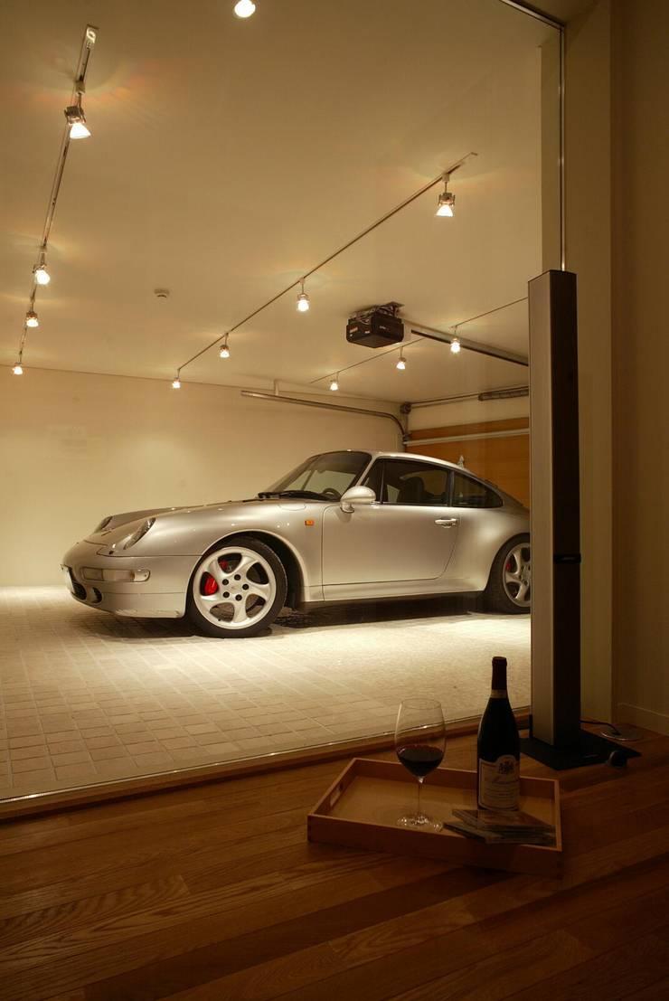 車庫: キタウラ設計室が手掛けたガレージです。