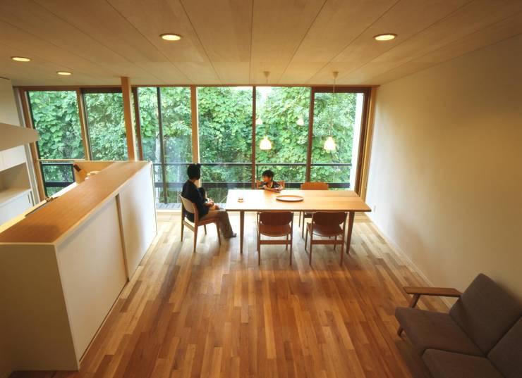 居間を見下ろす: キタウラ設計室が手掛けたリビングです。