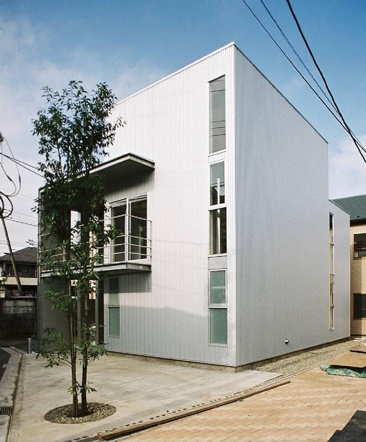 シンプル住宅: 桑原建築設計室が手掛けた家です。