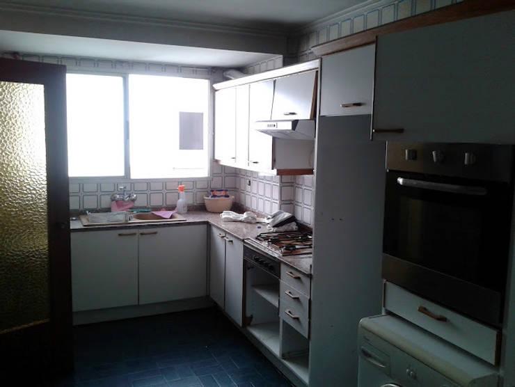 cocina antes:  de estilo  de cota-zero, tenica y construcción integrada, s.l.