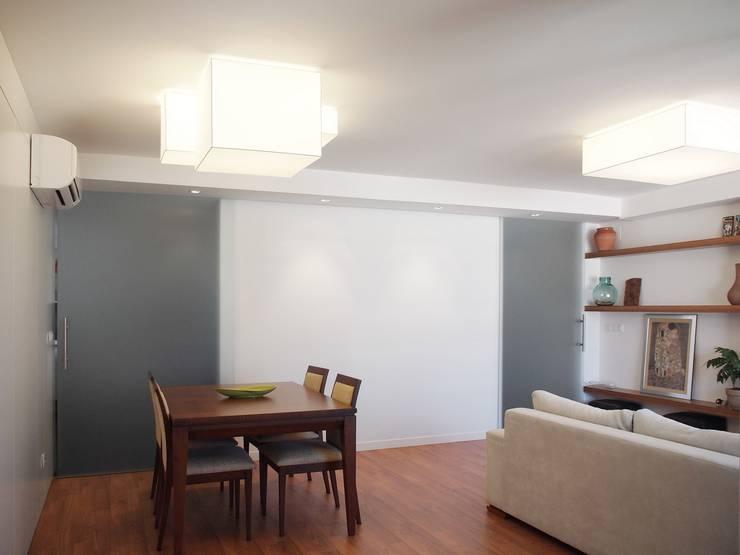 salon despues:  de estilo  de cota-zero, tenica y construcción integrada, s.l.