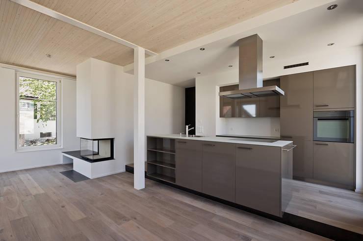 Giesser Architektur + Planung: modern tarz Mutfak