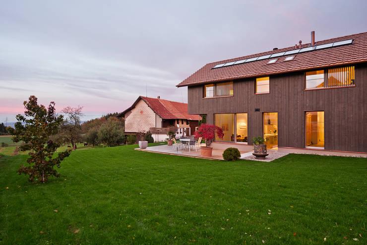 EFH Huggenberg: landhausstil Häuser von Giesser Architektur + Planung