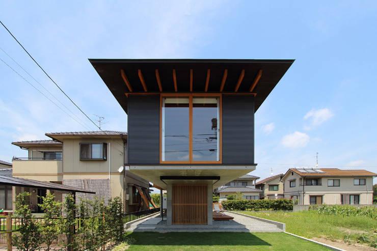 Casas de estilo  por 株式会社濱田昌範建築設計事務所