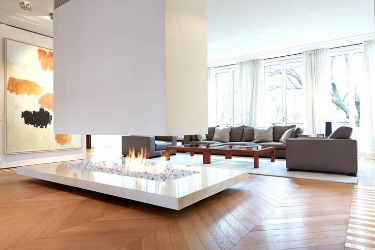 modern Living room by SilvestrinDesign