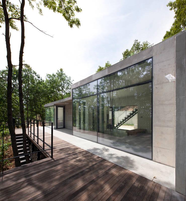 Atelier Namu Saenggak: around architects의  주택