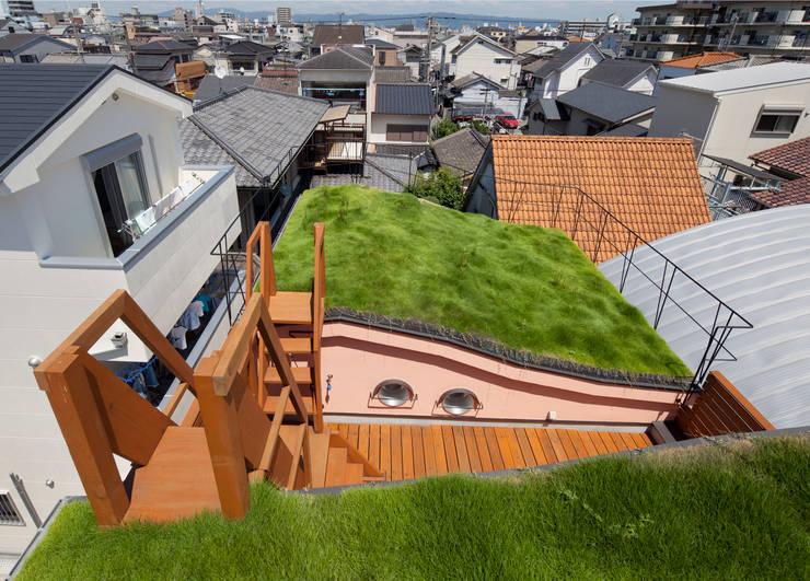 ダブルウエーブの家: 一級建築士事務所 YURI DESIGNが手掛けた家です。,オリジナル