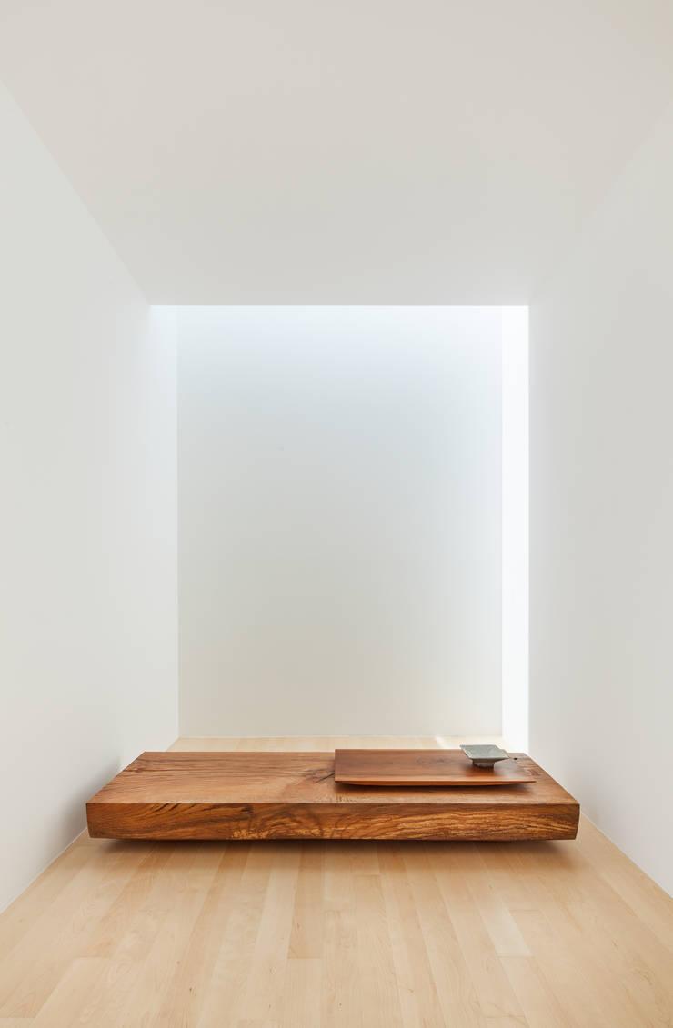 Atelier Namu Saenggak: around architects의  서재 & 사무실