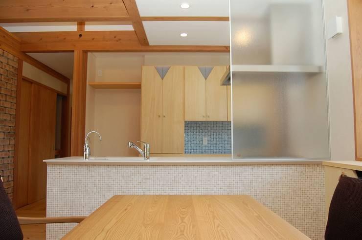 .: SA設計一級建築士事務所が手掛けたキッチンです。,モダン