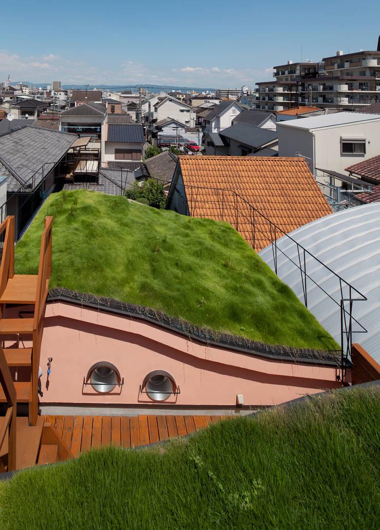 ダブルウエーブの家: 一級建築士事務所 YURI DESIGNが手掛けた家です。