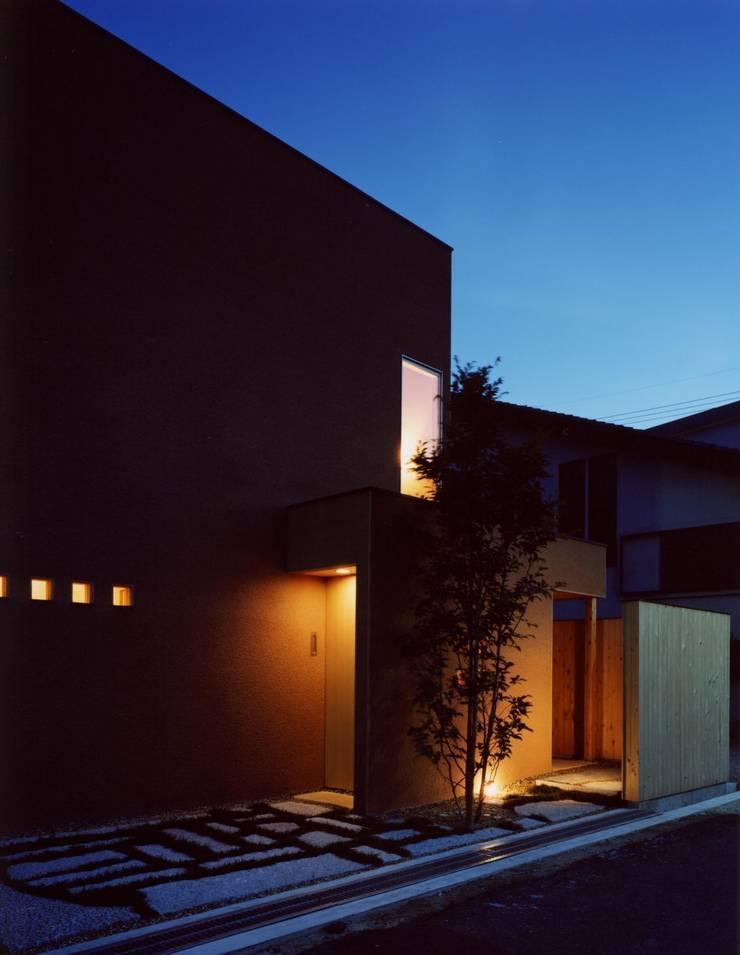 外観(夜景): 建築工房なかしま一級建築士事務所(Nakasima-Architects-Workshop)が手掛けた家です。