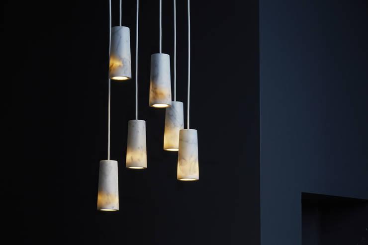 Salas de estilo  por Terence Woodgate