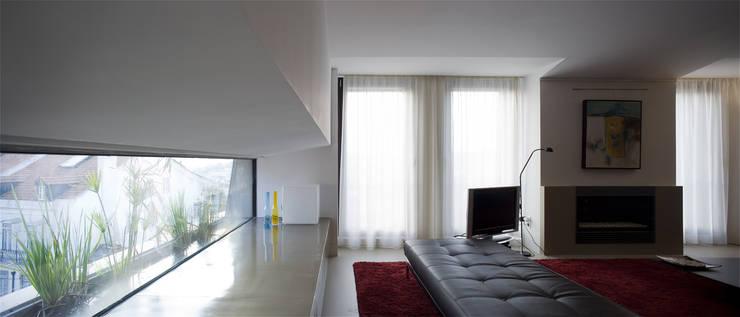 Condomínio da Vinha: Salas de estar  por RRJ Arquitectos,Moderno