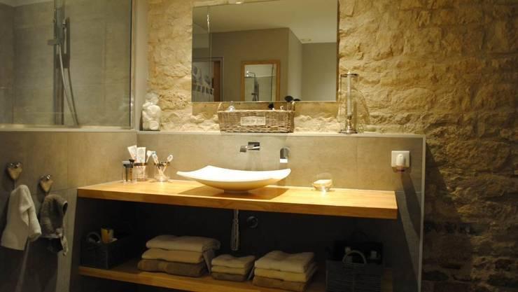 RENOVATION DE SALLE BAIN: Salle de bains de style  par Co-Cotes en papier