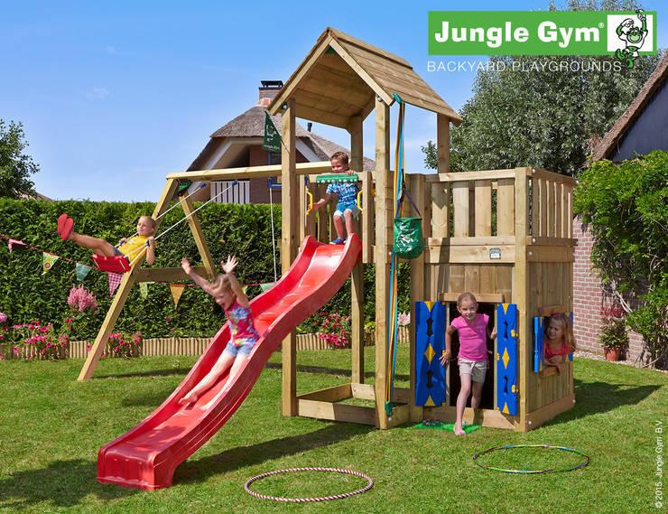 Jungle Gym Mansion Playhouse & 2-Swing X'tra:  Tuin door Jungle Gym