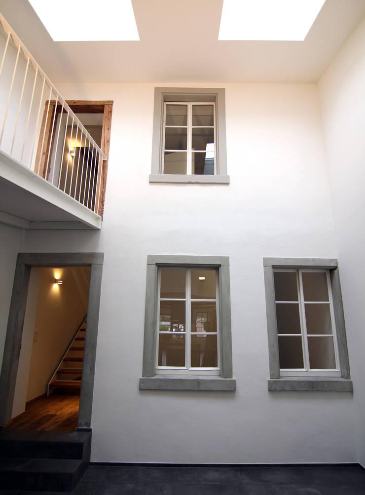 Столовые комнаты в . Автор – B & M Architekten GmbH, Лофт