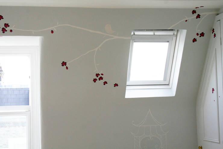 Projekty,  Ściany i podłogi zaprojektowane przez The Creative Decorator