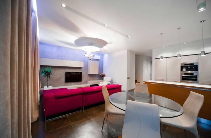 City Oasis – таунхаус в Куркино Nr.1: Гостиная в . Автор – ODS Laboratory Architecture & Design