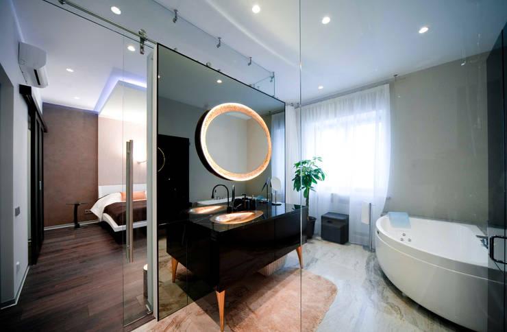 Casas de banho ecléticas por ODS Laboratory Architecture & Design