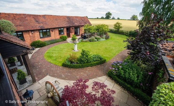 Projekty,  Ogród zaprojektowane przez Matt Nichol Garden Design Ltd.