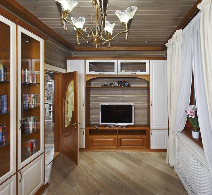 Гостевая комната: Спальни в . Автор – Архитектурная студия 'Солнечный дом'