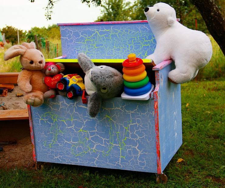 Habitaciones infantiles de estilo  por brandschatz.ch
