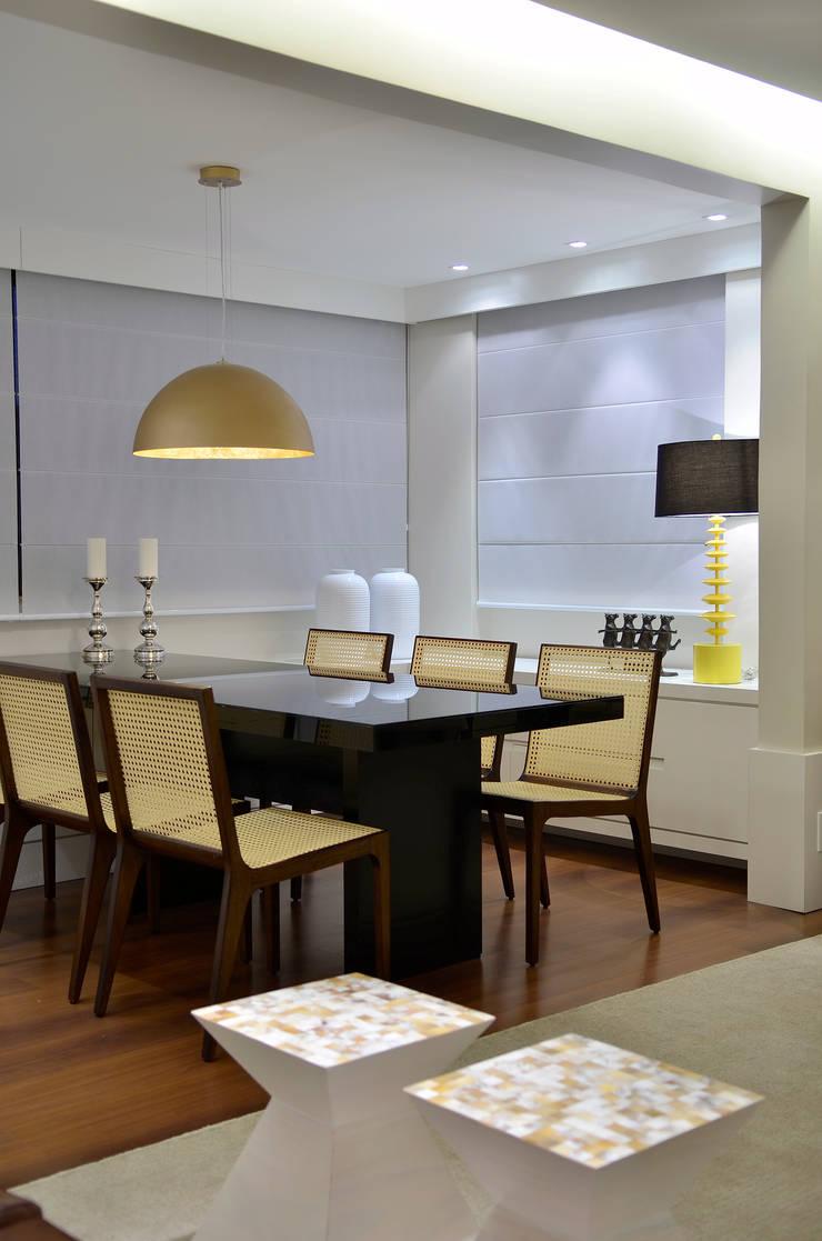 Sala de Jantar: Salas de jantar  por Stúdio Márcio Verza