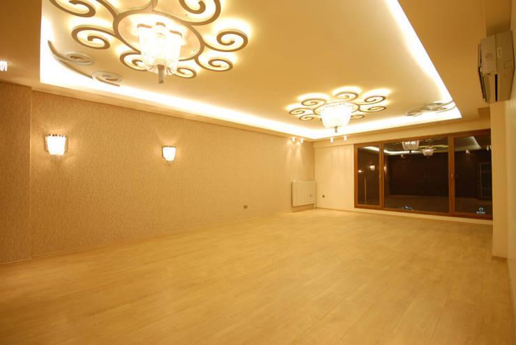 santimetre mimarlık – EYMEN RESİDENCE :  tarz Oturma Odası,